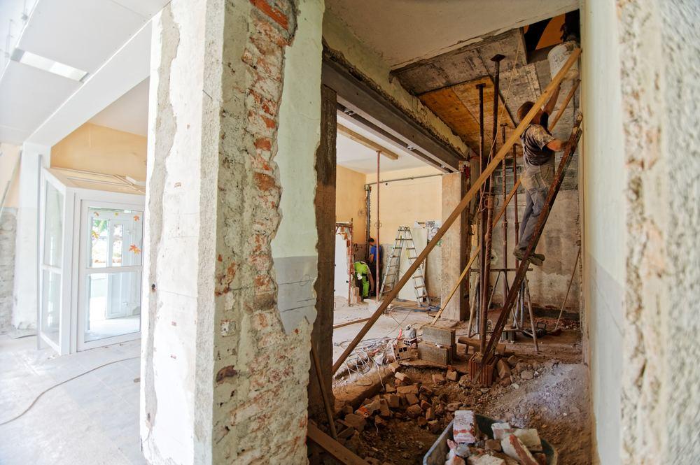 Renovering: Skal du male eller slibe gulve først?
